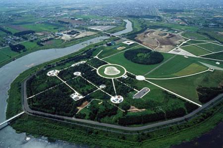 2003年8月 造成途中のモエレ沼公園の写真
