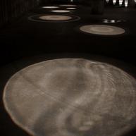 佐々木秀明 《雫を聴く》 2013  ©SASAKI Hideaki