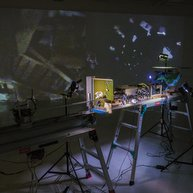 伊藤隆介《 Realistic Virtuality (Field Watcher)》2014年